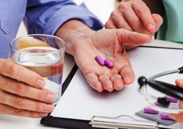 """Somministrare farmaci """"al momento"""", senza prescrizione, è possibile: il caso dei Patient Group Directions inglesi"""