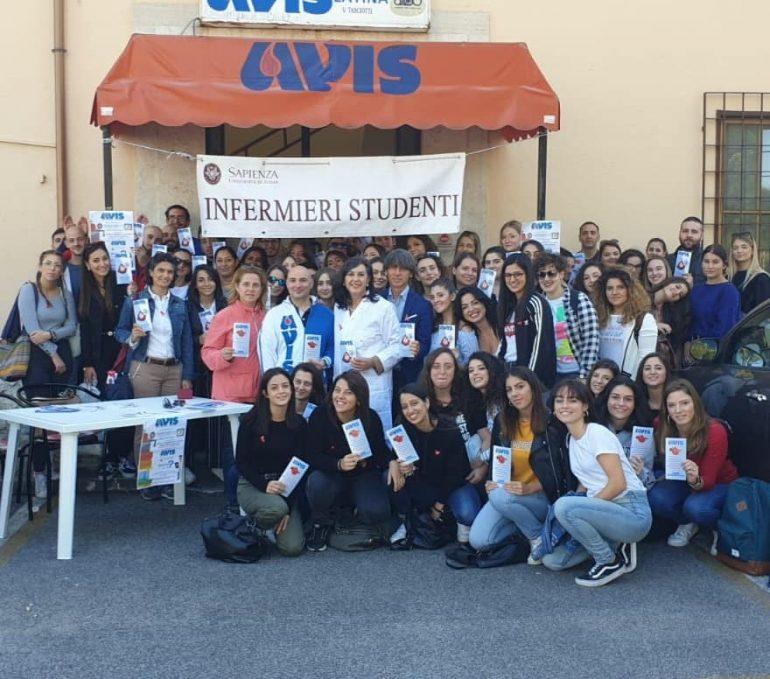Gli studenti di Infermieristica donano il proprio sangue a Latina per sensibilizzare la popolazione 1