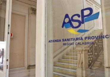 """Asp Reggio Calabria, gli oss sono disperati: """"Ci hanno promesso un lavoro, ma siamo ancora a casa"""""""