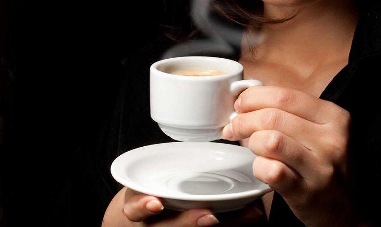 Cancro al fegato e alla prostata: bere caffè riduce il rischio