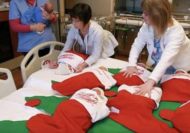 I neonati del mese di dicembre dell'ospedale di San Antonio dormiranno in una calza natalizia 1