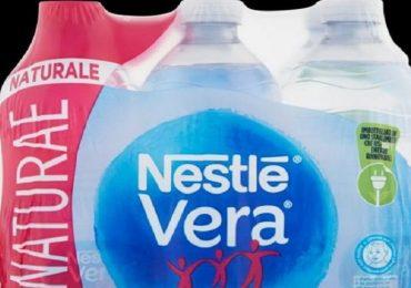 Sospetta contaminazione batterica: richiamato lotto di acqua Nestlé Vera