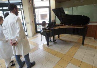 Cesena: all' osp. Bufalini arriva un pianoforte a disposizione di pazienti e visitatori