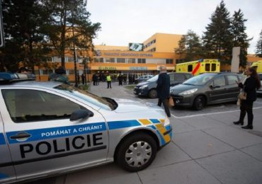 Follia a Ostrava (Repubblica Ceca): uomo fa una strage in ospedale e poi si uccide 1
