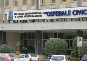Palermo, arrestati tre dipendenti dell'Ospedale Civico: documenti falsi e truffa sulle protesi