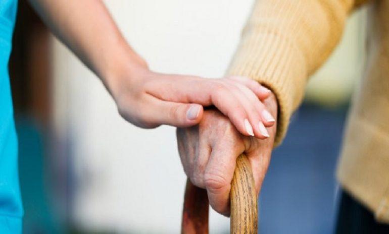 Anziani, arriva l'app per individuare quelli a rischio fragilità.