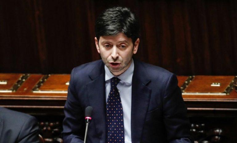 """Coronavirus, Speranza: """"No ai localismi. L'Italia è più forte dell'infezione""""."""