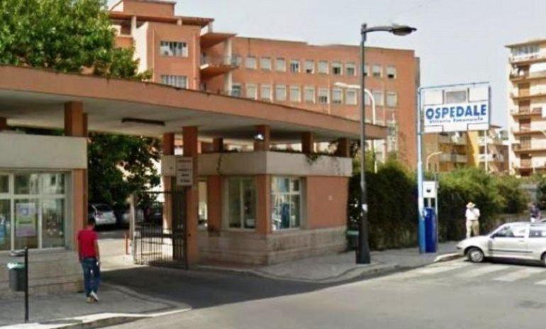 Gela, paziente con grave malattia muore in ospedale: i parenti aggrediscono un medico e tre infermieri.