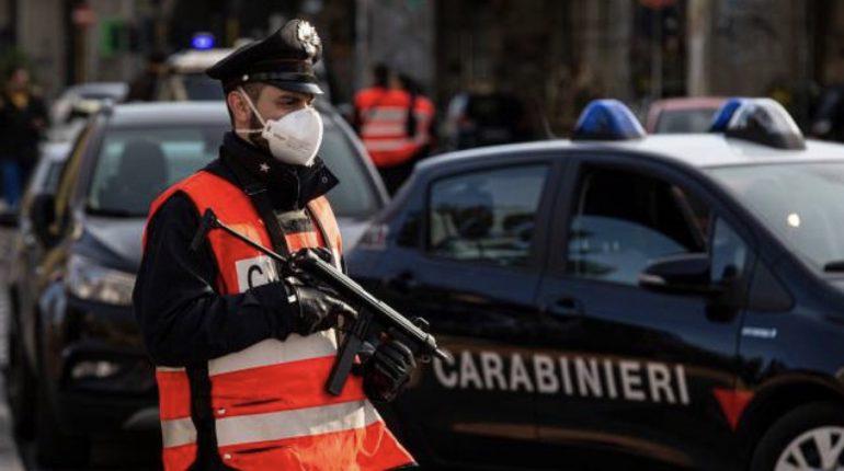 Coronavirus: centinaia di false autocertificazioni per uscire di casa. Sette cittadini arrestati a Roma