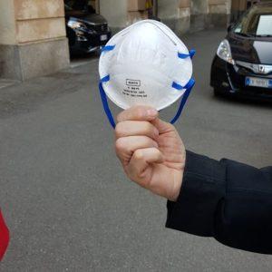 Milano: migliaia di mascherine da carpentiere per gli infermieri che combattono il Coronavirus