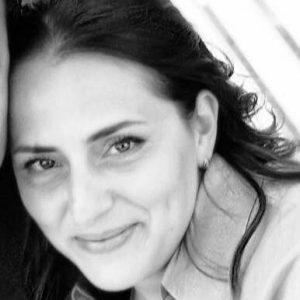 Stremata per gli infiniti turni nel reparto Coronavirus: ecco chi è l'infermiera Elena Pagliarini, protagonista della foto 1