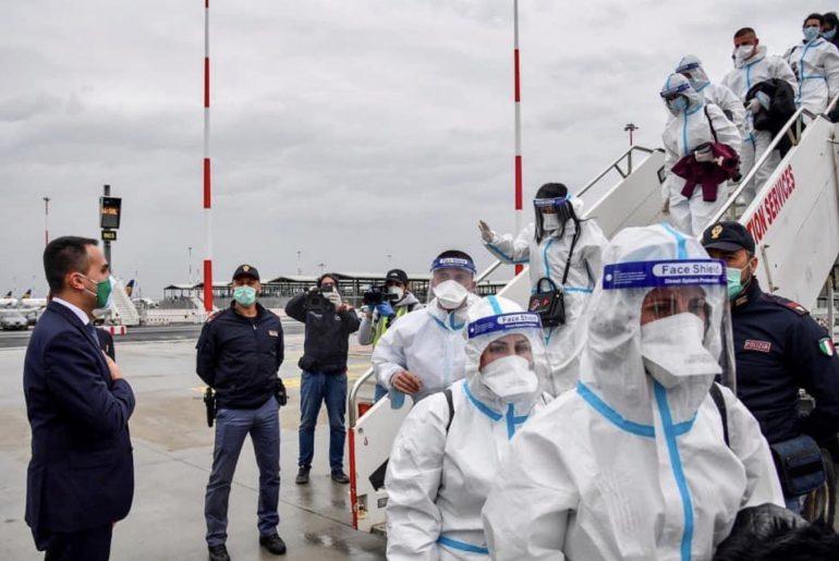 Coronavirus: altri 60 infermieri albanesi arrivano in aiuto del popolo italiano 1