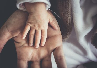 Coronavirus e bambini: nuovi sintomi preoccupano i medici inglesi