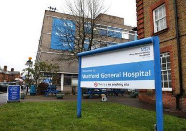 Coronavirus, giovane infermiere inglese muore dopo un turno di 12 ore: ospedale impreparato all'emergenza?