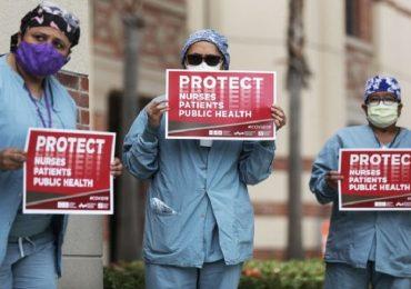 Coronavirus, protesta degli operatori sanitari in California: mancano i DPI.