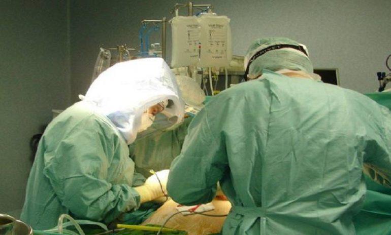Coronavirus, eccezionale intervento al Policlinico di Milano: trapiantati entrambi i polmoni a un giovane paziente