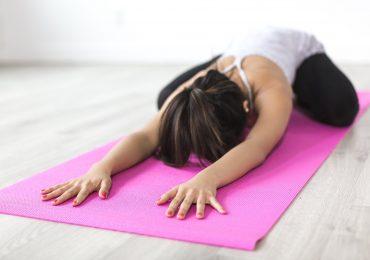 Meno emicrania con lo yoga