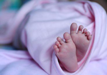 Neonata con il cuore fuori dal torace, parto eccezionale a Torino