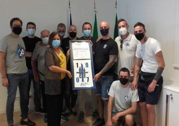 Bergamo, una maglia e 5mila euro per la Clinica San Francesco: il cuore grande della Curva Nord