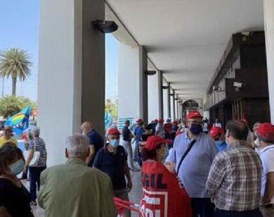 Cagliari, la rabbia dei pensionati: liste d'attesa ancora più lunghe dopo l'emergenza Covid