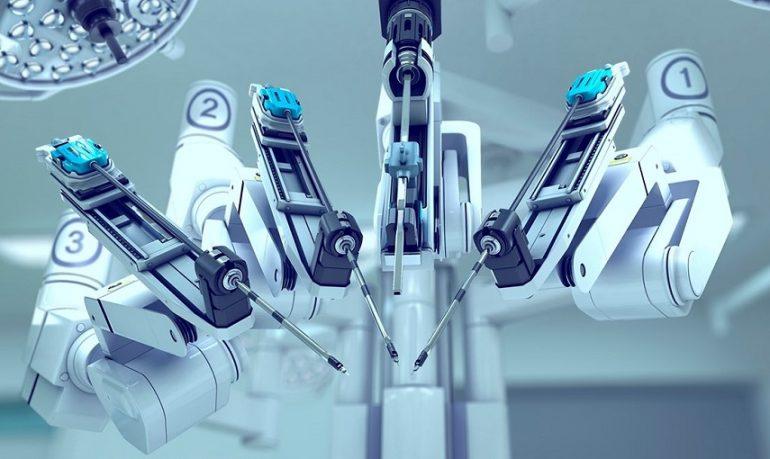 Chirurgia robotica, asportati tumori a pazienti diversi con interventi contemporanei