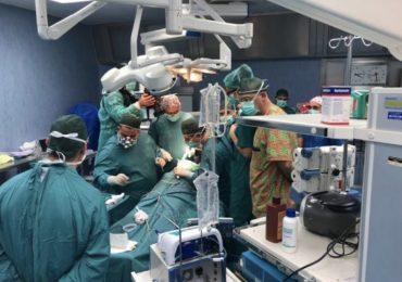 Colta da grave ictus cerebrale durante il turno di lavoro, infermiera del Cardarelli salvata dai colleghi
