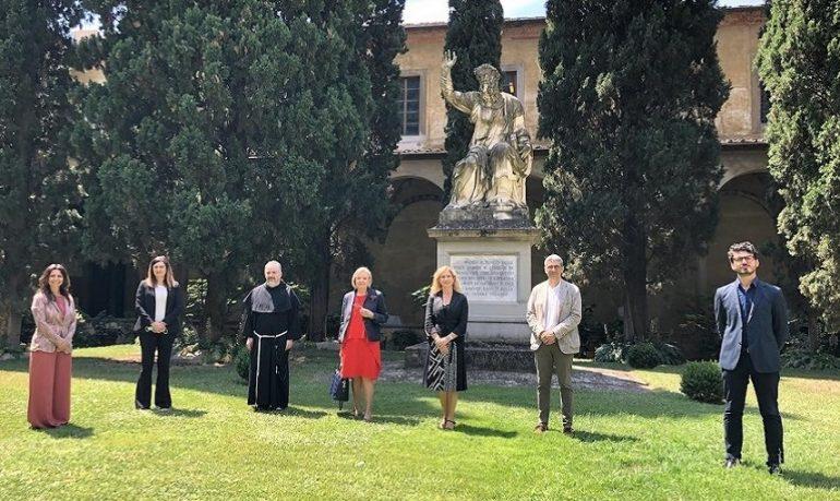 Coronavirus, medici e infermieri tra i Grandi di Santa Croce
