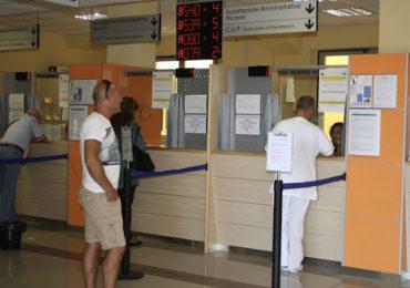 Mancano centralinisti in ospedale: infermieri trasformati in operatori telefonici del CUP 1