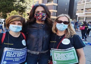 "Roma, Maria Grazie Cucinotta presente al flash mob Nursind: ""Più protezione per gli infermieri"""