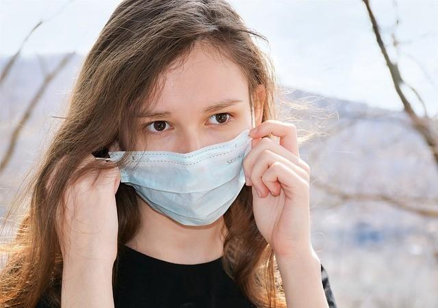 Cinque giovani con polmonite da Covid in Puglia