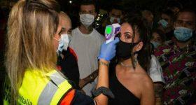Coronavirus, nuova stretta in Puglia: mascherina obbligatoria all'aperto e in discoteca se manca distanza di sicurezza