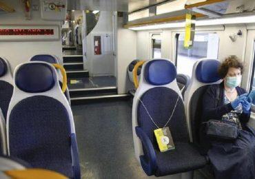"""Coronavirus, Speranza: """"Distanza di un metro anche sui treni regionali"""""""