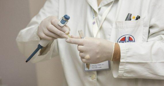 Coronavirus, test sierologici al personale scolastico: si parte dal Lazio