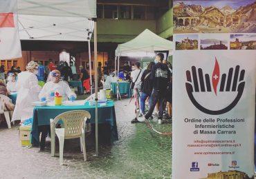 Covid-19: gli infermieri di Massa Carrara tra le strade della movida per testare la popolazione