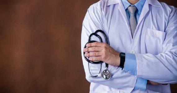 Bari, Speranza incontra l'Ordine dei medici