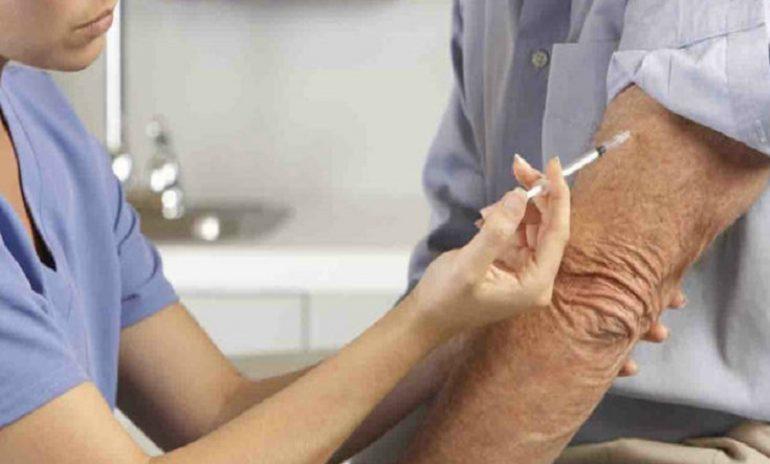 Coronavirus, il vaccino antinfluenzale limita l'avanzata del contagio