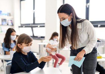 Coronavirus, online i dati sulla distribuzione di mascherine e gel igienizzante nelle scuole