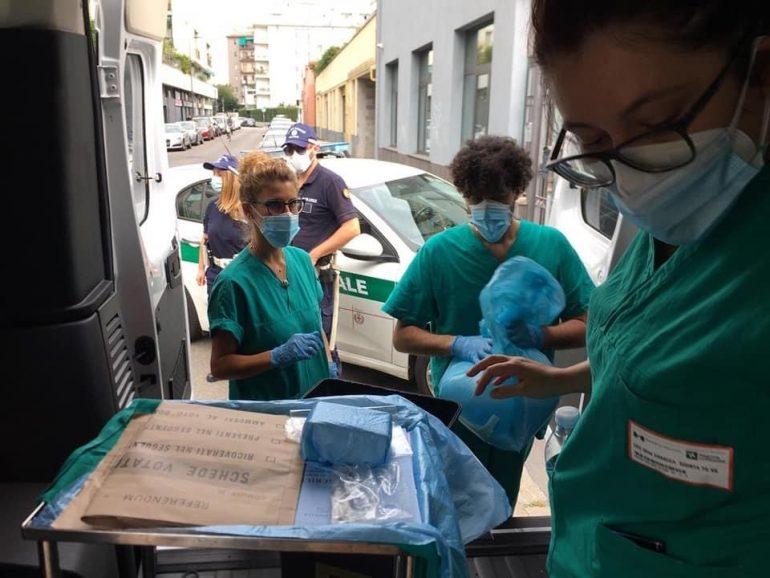 Referendum e Covid-19: gli infermieri del Niguarda a domicilio dei pazienti per le votazioni