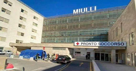 Acquaviva (Bari), molestie sessuali in ascensore al Miulli: la denuncia di una tirocinante