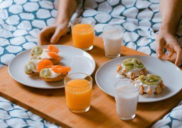 Chi dorme poco e non fa colazione rischia anche l'infarto