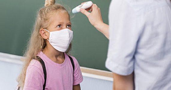 Coronavirus, via libera ai test antigenici rapidi nelle scuole