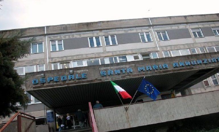 Firenze, rottura dell'utero durante il parto: bimba nasce nell'addome