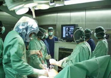 Positivo al Covid-19, evade dalla quarantena per recarsi in sala operatoria. Chiesta la condanna per il chirurgo