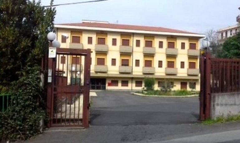 Bronte (Catania), casa di riposo in tilt: un solo infermiere per 70 pazienti