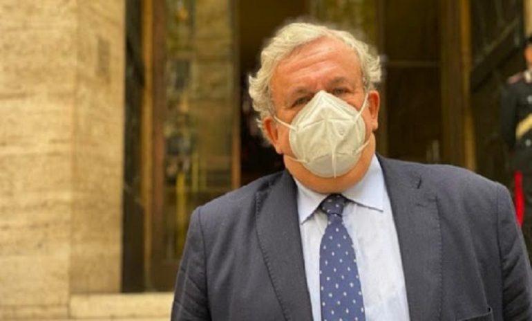 Coronavirus, Puglia in difficoltà: Emiliano chiede la zona rossa per le province di Foggia e BAT
