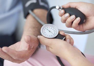 Malattie cardiovascolari: rischio maggiore durante il sonno per chi soffre di ipertensione