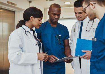 """Mancano infermieri, ma """"non passa lo straniero"""" 1"""