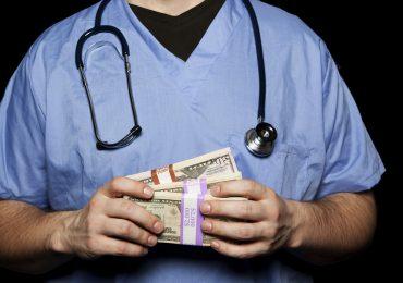 Manovra economica 2021: in arrivo aumenti di stipendio per infermieri, medici e oss 1