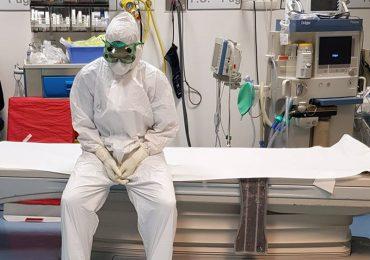 Smontante dalla notte nel reparto Covid si schianta con l'auto: infermiere multato dalla Polizia