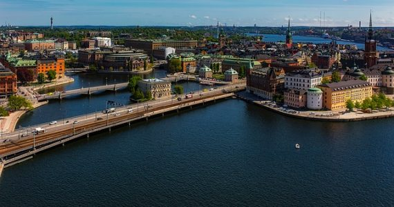 Covid-19: Svezia sotto accusa